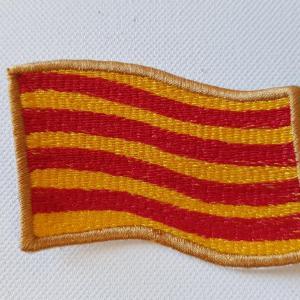 Ecusson drapeau catalan ondule petit