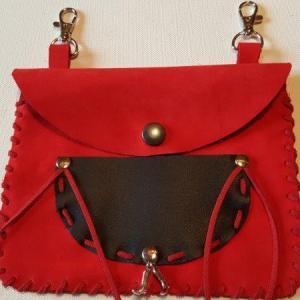 Pochette cuir rouge 5 verso